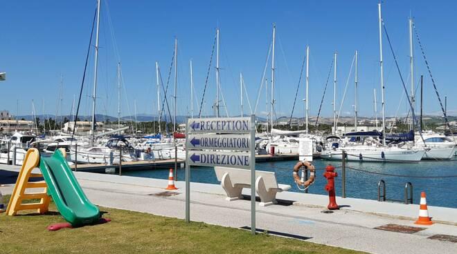 Porto turistico montenero mare