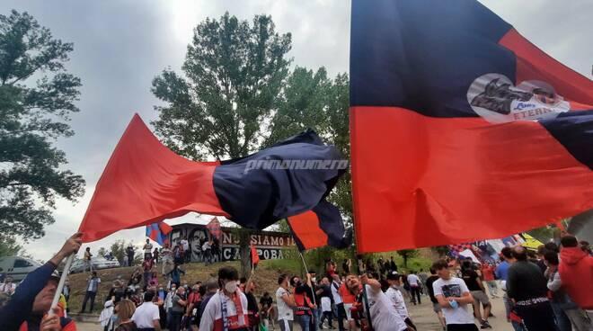 tifosi rossoblu campobasso calcio bandiere