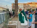 benedizione lapide ulivo morti covid petacciato