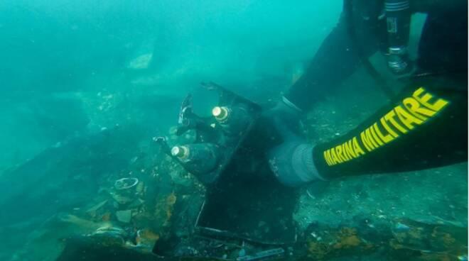 brillamento ordigni marina miliare mezzo anfibio mare
