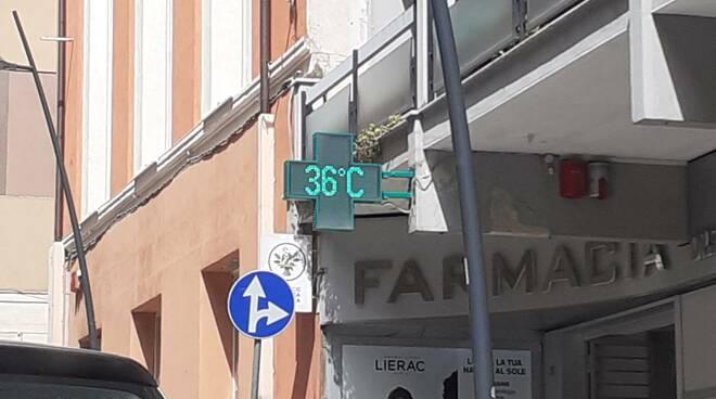 Caldo record termometri