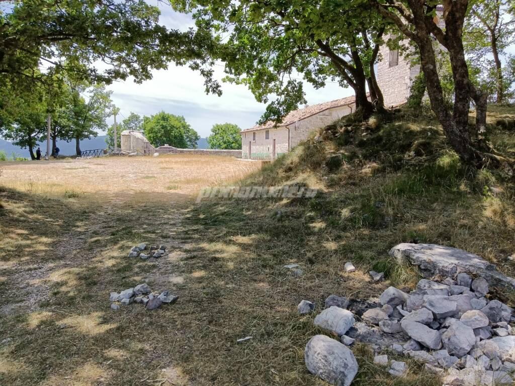 santuario monteverde vinchiaturo turismo reperti