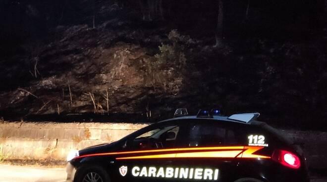 carabinieri Agnone Isernia incendio piromane notte