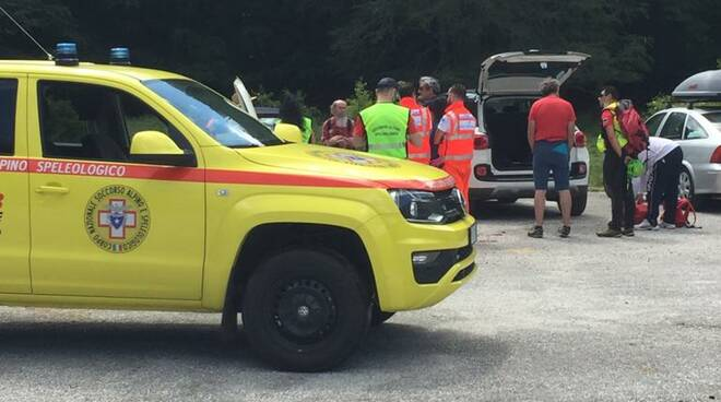 soccorso alpino veicolo jeep