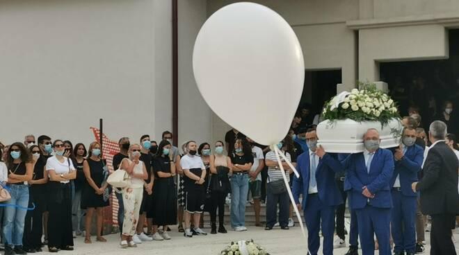 Funerali Valeria cinalli