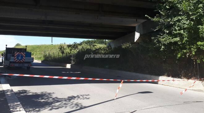 calcinacci ponte via sangro strada chiusa transenne