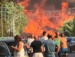 incendio gente strada campomarino