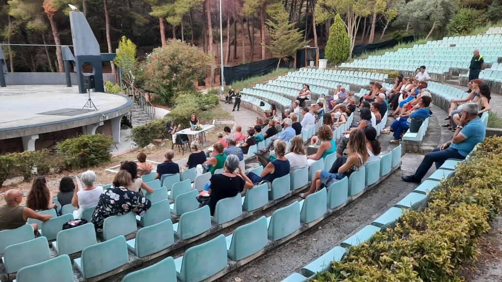 teatro verde pubblico calandrone daniela battista scrittori parco libro