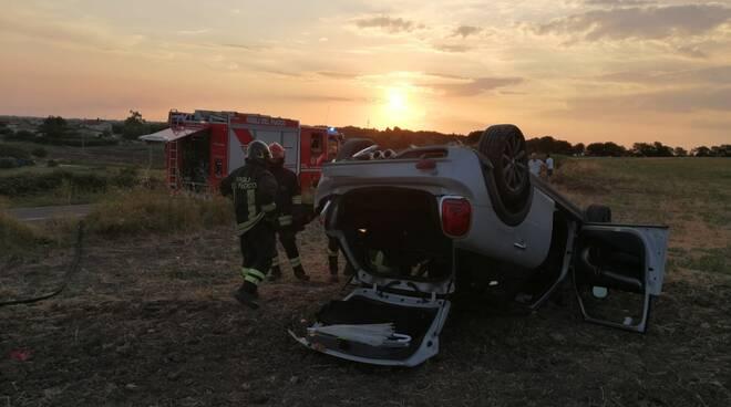 incidente ferragosto morte valeria cinalli vigili auto ribaltata sinarca