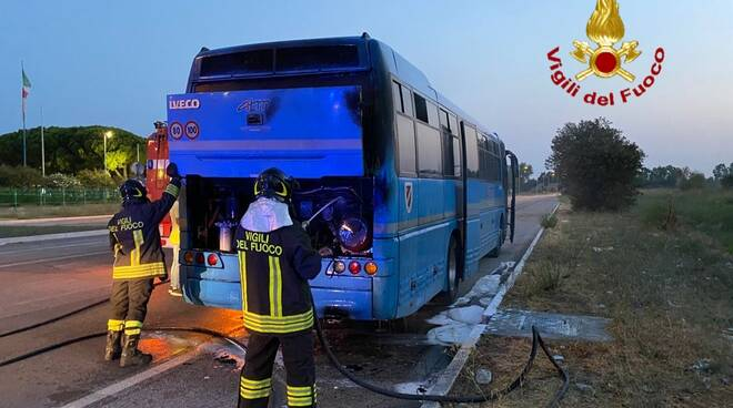 autobus atm incendio vigili fiat