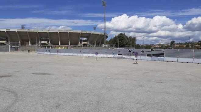 Parcheggio stadio divisorio