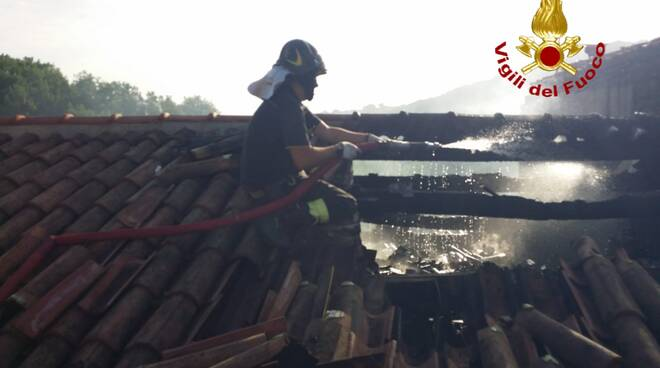 Vigili del fuoco incendio casa Spinete