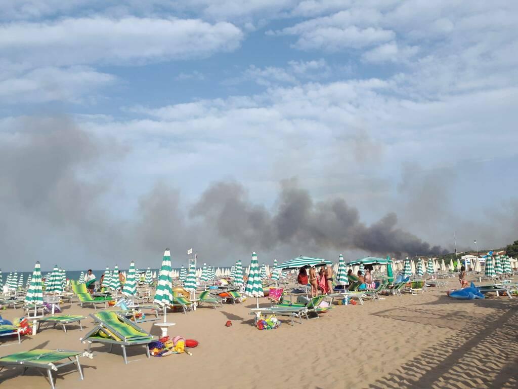 spiaggia rio vivo fumo incendi