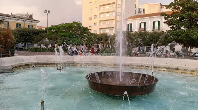 fontana piazza municipio