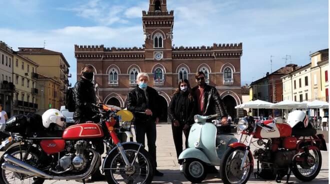 foto dal sito brescianapoli manifestazione moto
