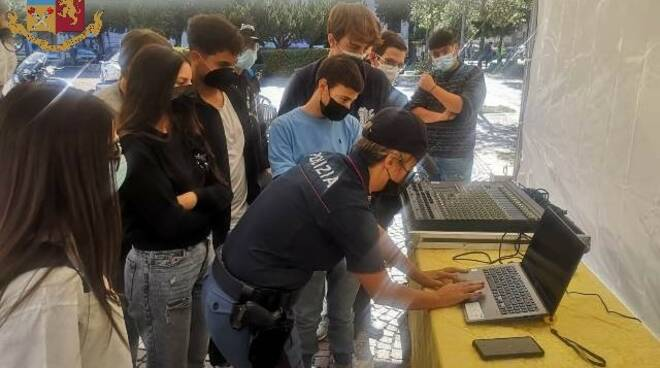 safety days polizia studenti