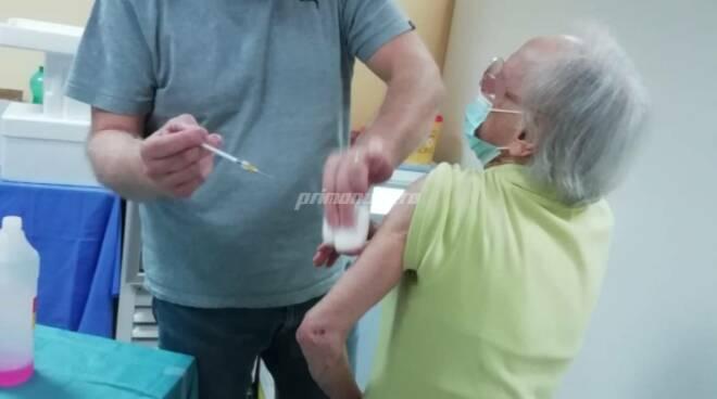 terza dose anziana vaccino fragile