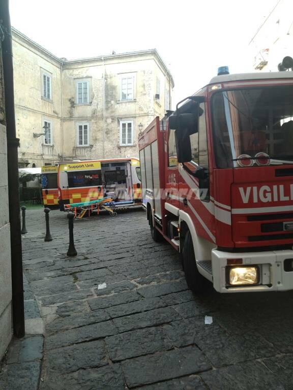 Centro storico Campobasso Ambulanza 118 vigili del fuoco