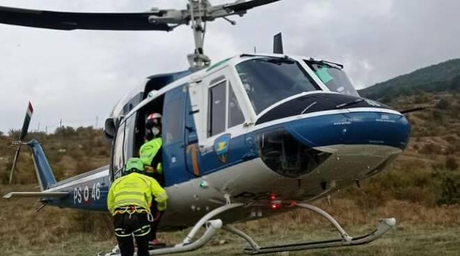 Esercitazione soccorso alpino polizia