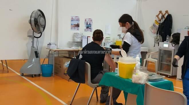 infermiera vaccini vaccinazioni palairino
